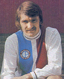 <a href='page.php?id=111&amp;player=261'>Charlie Cooke</a>